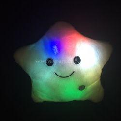 Dětský polštář Warm Hug hvězda - svítí a mění barvu DORMEO