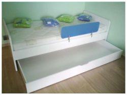 Zásuvka pod nízkou postel